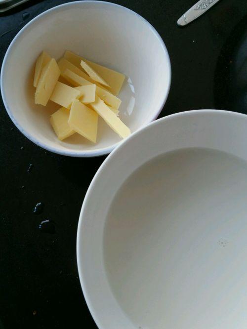 热狗面包卷的做法图解2
