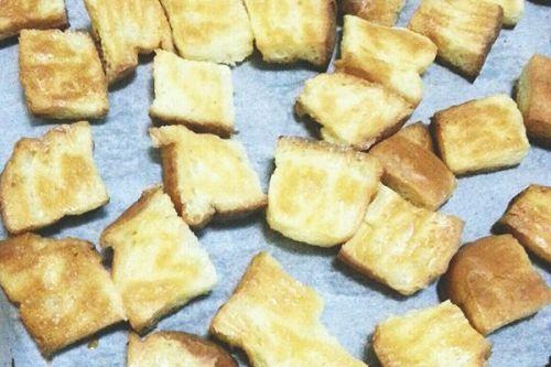 烤面包片的家常做法_烤面包片的做法大全-君之烘培网