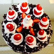 黑森林圣诞草莓蛋糕