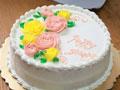 奶油霜裱花生日蛋糕