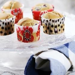 樱桃纸杯蛋糕