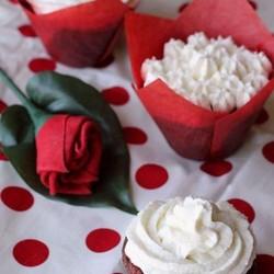 甜菜红丝绒纸杯蛋糕