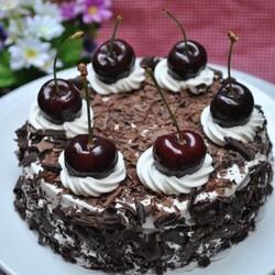 车厘子黑森林蛋糕