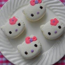 KT猫白色酸奶慕斯