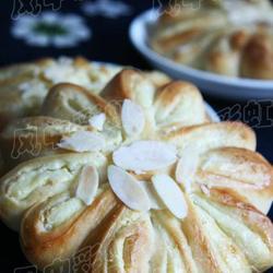 乳酪花环面包