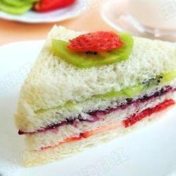 吐司水果三明治