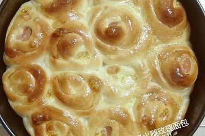 酸奶火腿玫瑰面包