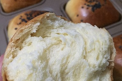 无油鸡蛋小面包