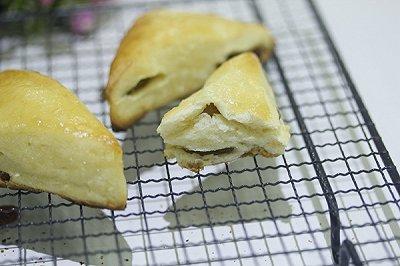 葡萄干司康小面包