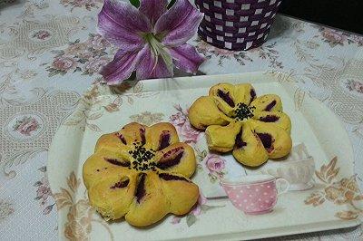紫薯馅南瓜面包