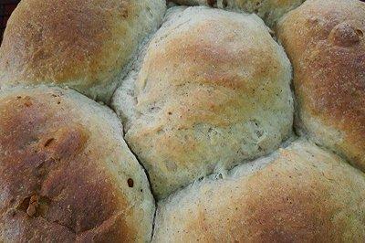 鲜奶油黑麦面包