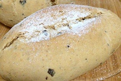 法式黑橄榄全麦面包