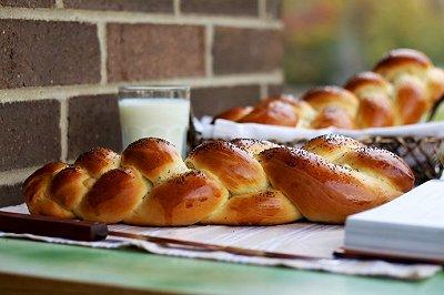 哈拉犹太面包