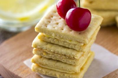 柠檬奶油霜夹心苏打饼