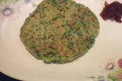 西蓝花胡萝卜全麦饼