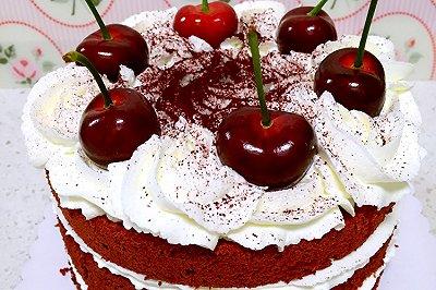 樱桃红丝绒戚风蛋糕