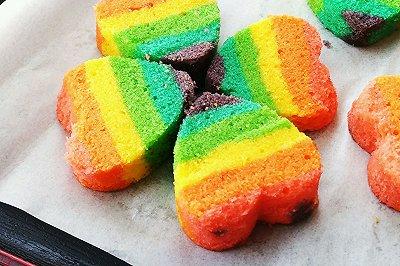 七夕的彩虹心形磅蛋糕