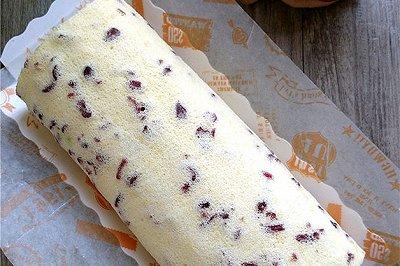 蔓越莓奶油蛋糕卷