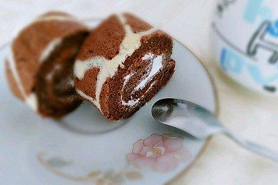 长颈鹿花纹奶油蛋糕卷