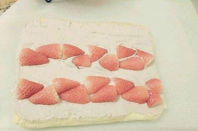 可可奶油酱草莓蛋糕卷
