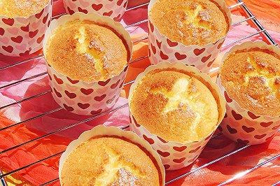 蜂蜜牛奶纸杯蛋糕