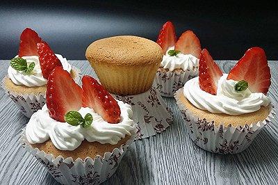 奶油草莓小蛋糕