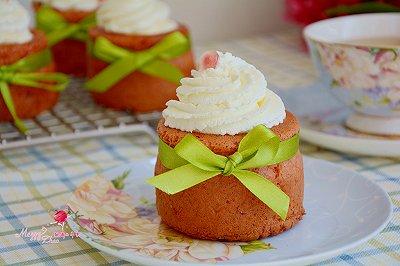 奶油红曲蛋糕杯