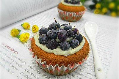 小戚风蓝莓蛋糕