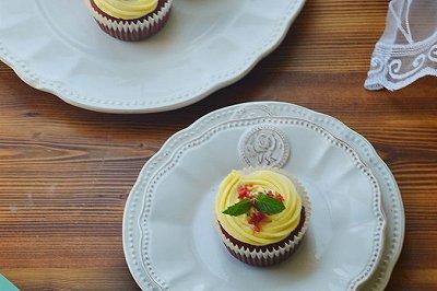 红丝绒乳酪杯子蛋糕