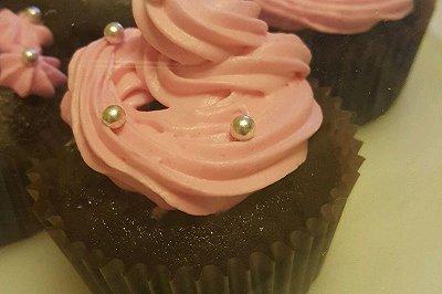黑巧克力杯子蛋糕