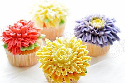 菊花纸杯小蛋糕